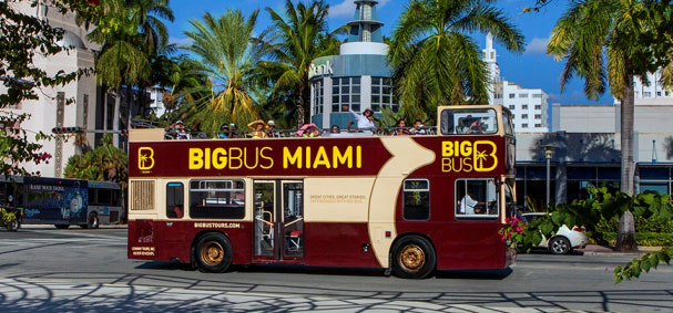 A Big Bus Tour includes a stop near Lincoln Road.