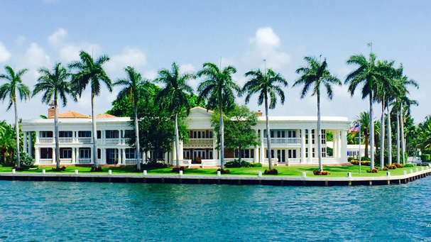 See celebrity homes on the Riverfront cruise in Fort Lauderdale, FL.